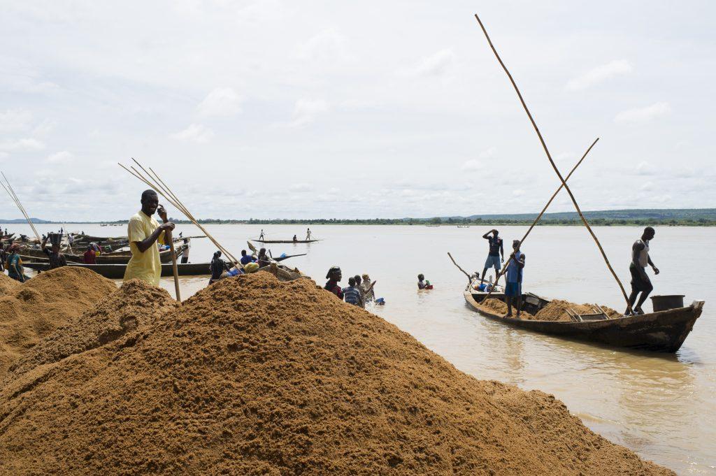 Exploiteurs du salbe retournant à Koulikoro pour déchargement